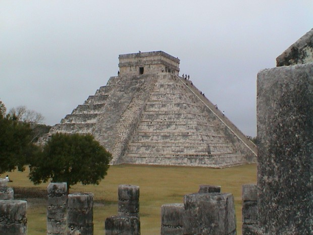 JFALTHOUSE 2 CHICHEN ITZA MEXICO